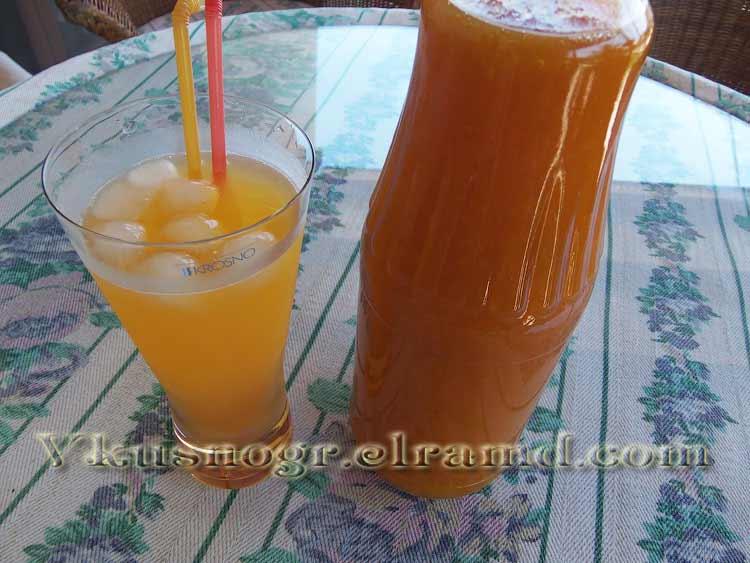 Сок из абрикосов с мякотью Рико