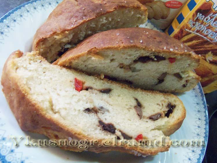 Готовый оливковый хлеб