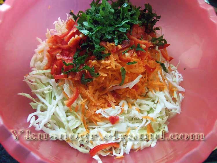 Как приготовить салат из свежей капусты