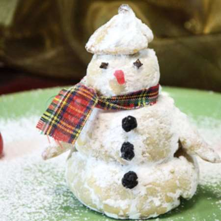 Новогодний круассан Снеговик